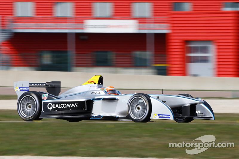 Jarno Trulli mette alla prova la Spark-Renault SRT-01E