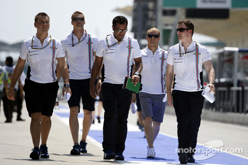 Valtteri Bottas, Williams cammina nel circuito con la squadra