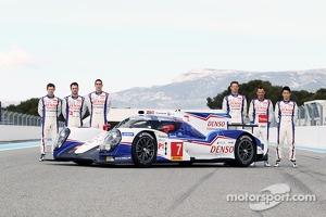 Anthony Davidson, Nicolas Lapierre, Sebastien Buemi with the Toyota TS040 Hybrid