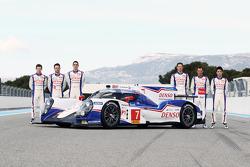 Anthony Davidson, Nicolas Lapierre, Sebastien Buemi con la Toyota TS040 Hybrid