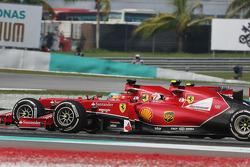 Rennstart: Fernando Alonso, Ferrari F14-T; Kimi Raikkonen, Ferrari F14-T