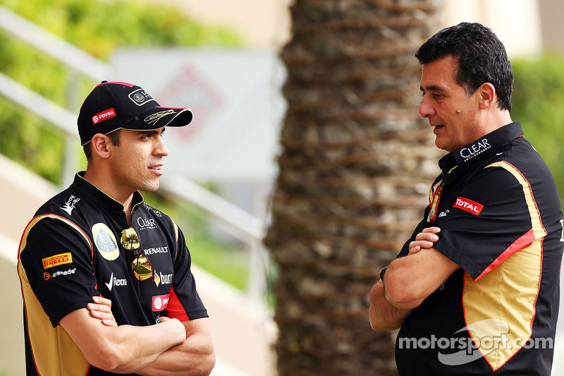 (L to R): Pastor Maldonado, Lotus F1 Team with Federico Gastaldi, Lotus F1 Team Deputy Team Principa