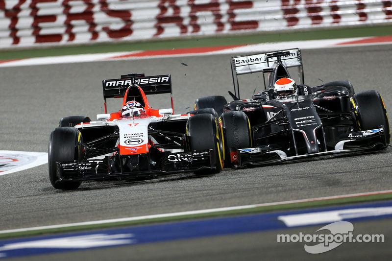 Kollision: Jules Bianchi, Marussia F1 Team MR03; Adrian Sutil, Sauber C33