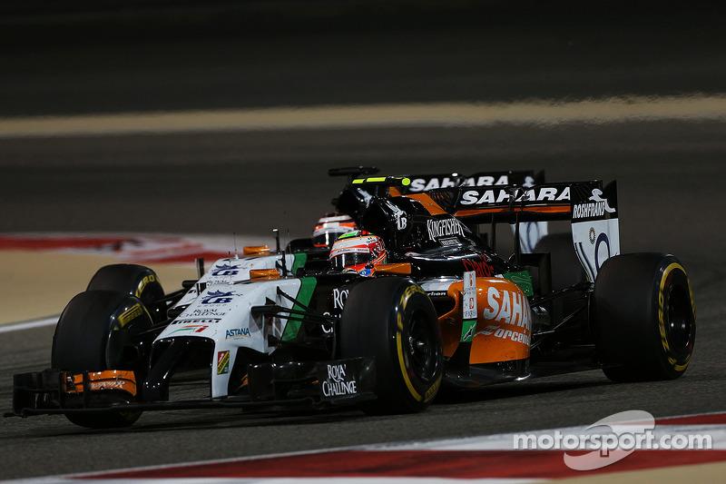 Sergio Perez, Sahara Force India F1 VJM07, davanti a Nico Rosberg, Mercedes AMG F1 W05