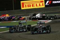 Nico Rosberg, Mercedes AMG F1 and Lewis Hamilton, Mercedes AMG F1 W05