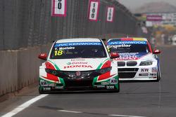 Tiago Monteiro, Honda Civic WTCC, Castrol Honda WTC Takımı ve Franz Engstler, 320 TC, Liqui Moly Engstler Takımı