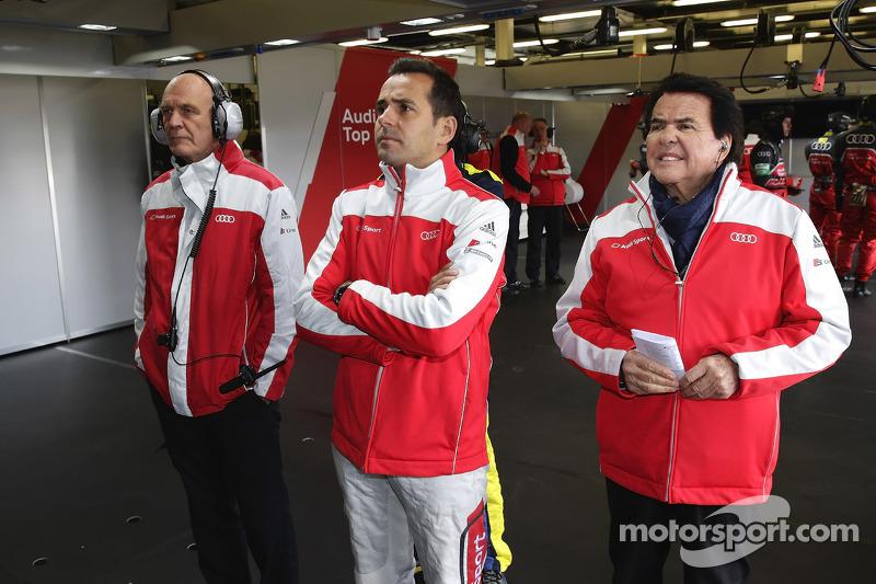 Dr. Wolfgang Ullrich, Audi Motorsporları Başkanı, Benoit Tréluyer ve Reinhold Joest