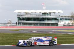 #8 Toyota Racing Toyota TS040 Hybrid: Anthony Davidson, Nicolas Lapierre, Sebastien Buemi