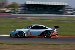 #86 Gulf Racing UK Porsche 911 GT3 RSR: Michael Wainwright, Adam Carroll, Ben Barker