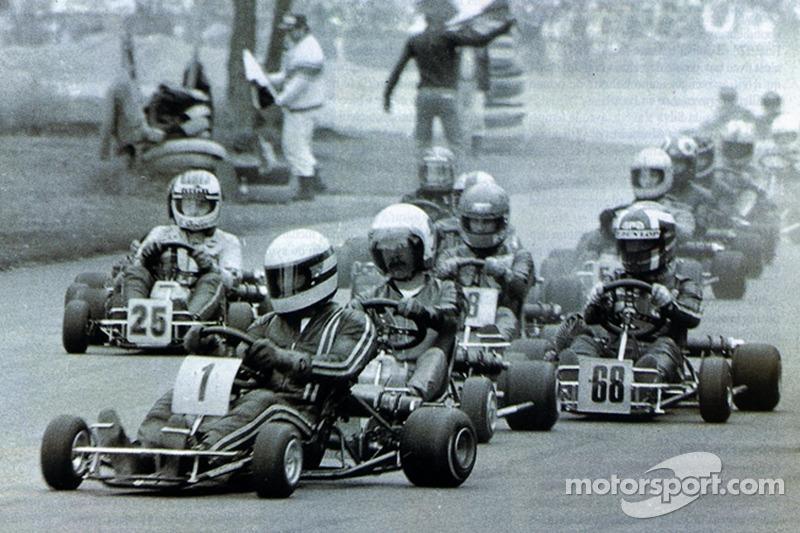 Ayrton Senna lidera a Terry Fullerton