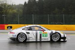 #91 Porsche Team Manthey Porsche 911 RSR: Patrick Pilet, Jörg Bergmeister, Nick Tandy