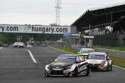 Gianni Morbidelli, Chevrolet Cruze RML TC1, ALL-INKL_COM Munnich Motorsport porta Tiago Monteiro, Honda Civic WTCC, Castrol Honda WTCC team