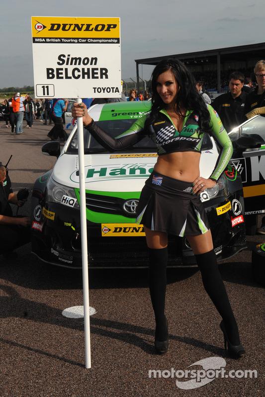 Handy Motorsport grid kızı