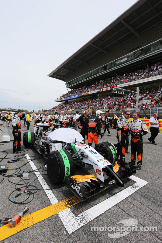 Sergio Perez, Sahara Force India F1 VJM07 no grid