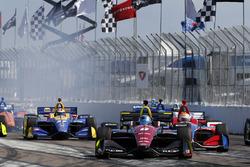 Robert Wickens, Schmidt Peterson Motorsports Honda mène lors d'un restart