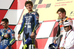 Podium: race winner Valentino Rossi, Yamaha Factory Racing, second place Marco Melandri, Honda, third place Nicky Hayden, Honda