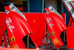 Cofani motore di Sebastian Vettel, Ferrari e Kimi Raikkonen, Ferrari