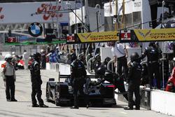 #10 Wayne Taylor Racing Cadillac DPi, P: Renger van der Zande, Jordan Taylor, pit stop