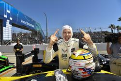 Il vincitore GTLM Tommy Milner, Corvette Racing