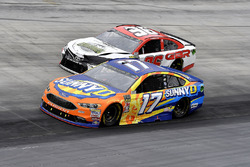 Ricky Stenhouse Jr., Roush Fenway Racing, Ford Fusion SunnyD e D J Kennington, Gaunt Brothers Racing, Toyota Camry, Gaunt Brothers Racing