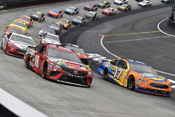 Kyle Busch, Joe Gibbs Racing, Toyota Camry Skittles and Ricky Stenhouse Jr., Roush Fenway Racing, Ford Fusion SunnyD