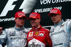 David Coulthard 2nd, Winner Eddie Irvine and Mika Hakkinen