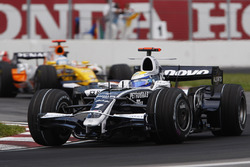 Nico Rosberg, Williams FW30, leads Fernando Alonso, Renault R28