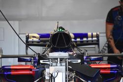 Detalle delantero del Scuderia Toro Rosso STR13