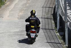 После  аварии: Нико Хюлькенберг, Renault Sport F1 Team