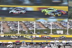 Erik Jones, Joe Gibbs Racing, Toyota Camry Sport Clips, William Byron, Hendrick Motorsports, Chevrolet Camaro Hertz