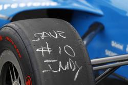 Ed Jones, Chip Ganassi Racing Honda, tires
