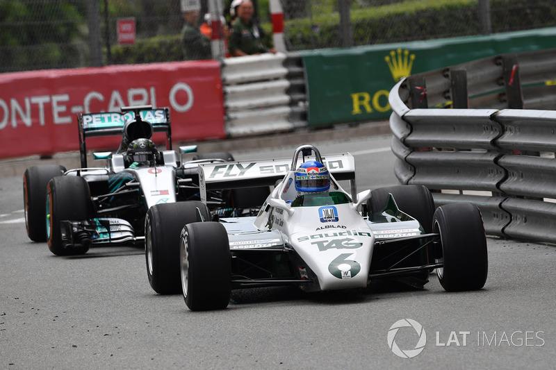 Keke Rosberg, Williams FW08 precede Nico Rosberg, Mercedes-Benz F1 W07 Hybrid