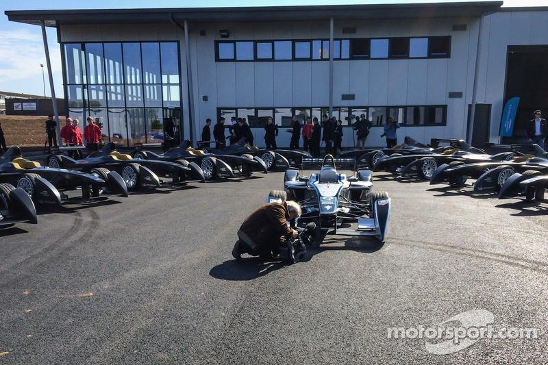 Le prime 10 vetture di Formula E vengono consegnate e presentate