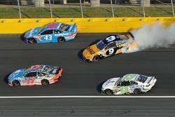 Problemi per Marcos Ambrose, Richard Petty Motorsports Ford