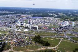 La vista della Charlotte Motor Speedway dall'elicottero di Kurt Busch