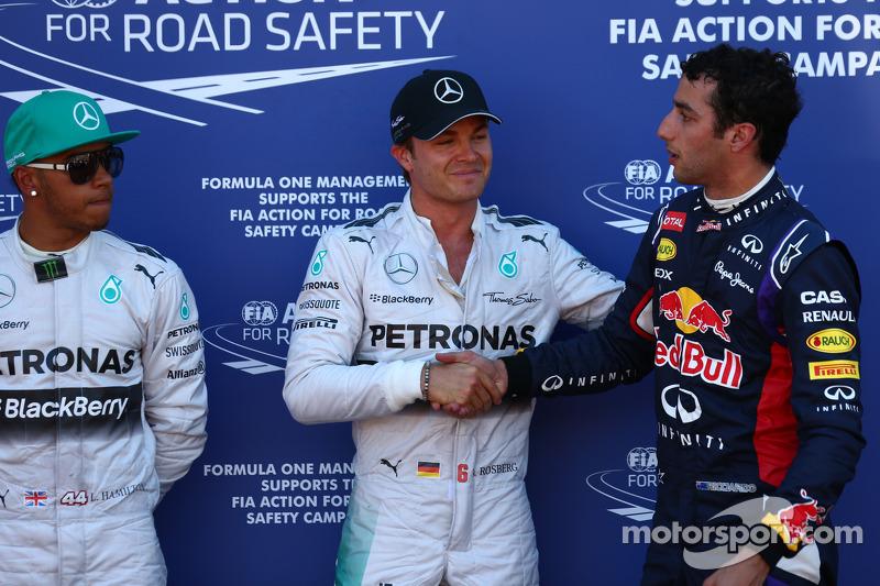 Ganador de la pole position  Nico Rosberg, Mercedes AMG F1, segundo puesto Lewis Hamilton, Mercedes AMG F1 y tercero de Daniel Ricciardo, Red Bull Racing RB10