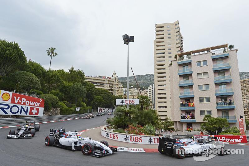 Valtteri Bottas, Williams FW36 e Felipe Massa, Williams FW36 alla partenza