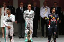 Nico Rosberg, Mercedes AMG F1 Team, Lewis Hamilton, Mercedes AMG F1 Team and Daniel Ricciardo, Red Bull Racing