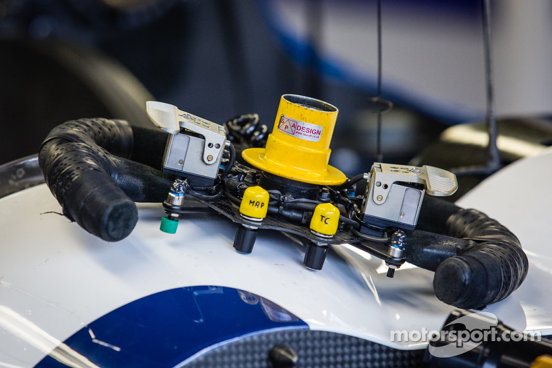 #27 SMP Racing Oreca 03 - 日产 方向盘