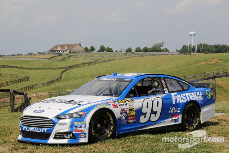 La vettura di Carl Edwards nella Dreamfields Farm a Kentucky