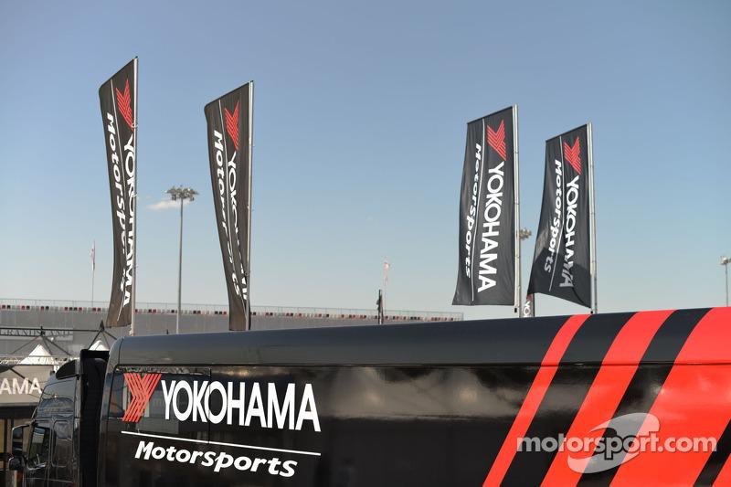 Camion Yokohama truck