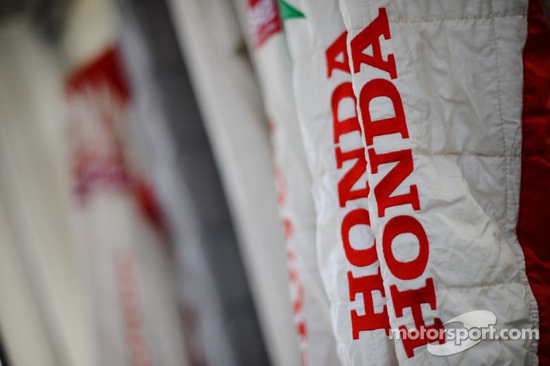 Honda team, tuta