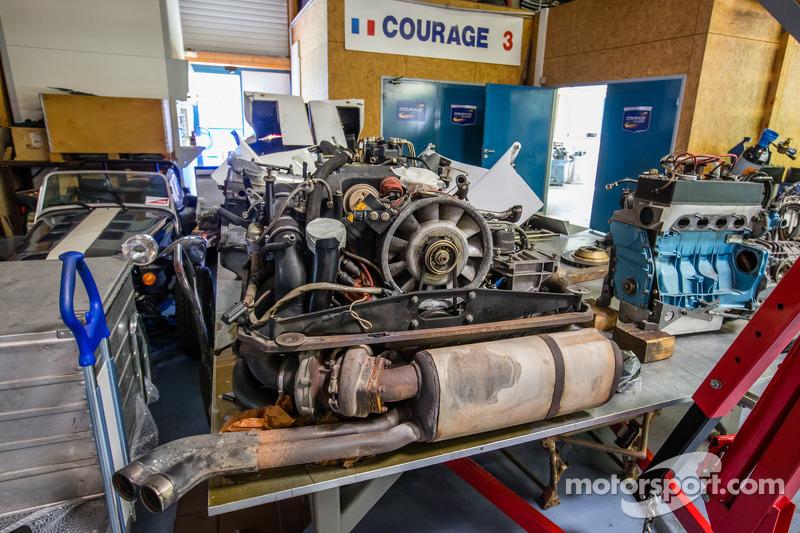 Courage Compétition: motori in restauro