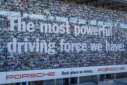 Porsche banner ad