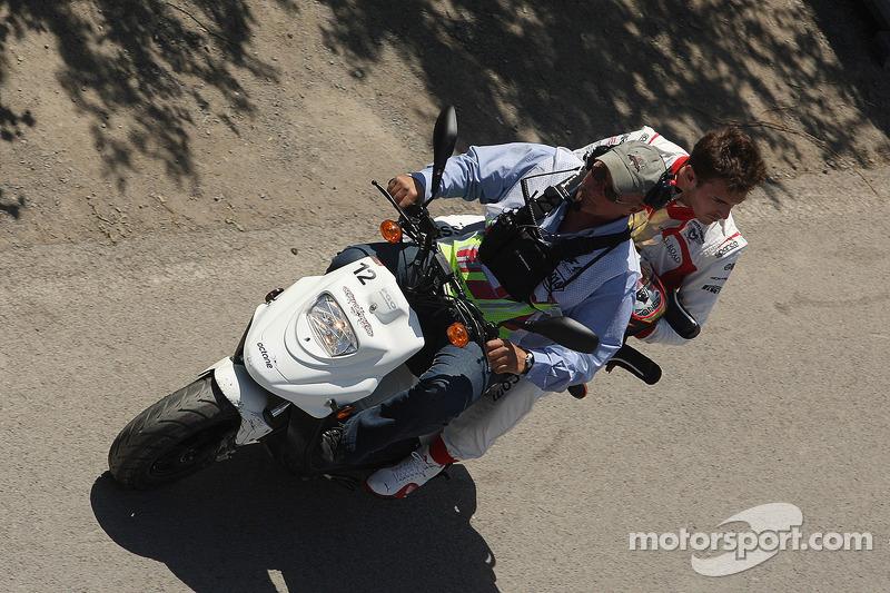 Jules Bianchi, Marussia F1 Team vuelve al pitlane