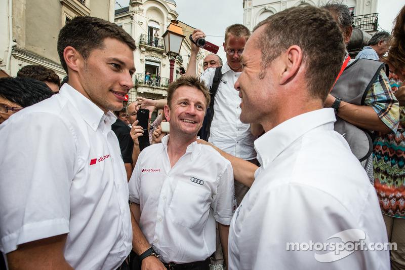 Cerimonia Hand imprint: 2013 24 Ore di Le Mans vincitori Loic Duval, Tom Kristensen e Allan McNish