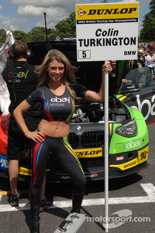 ebay motors grid girl at oulton park. Black Bedroom Furniture Sets. Home Design Ideas