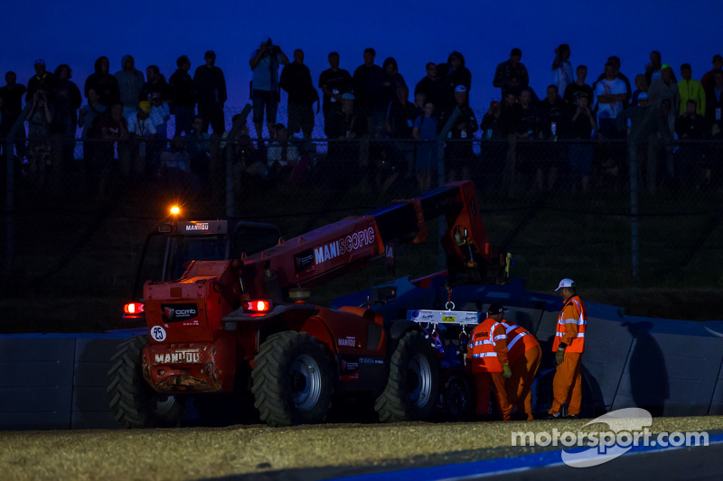 #37 SMP Racing Oreca 03 - 日产: 基里尔·拉德金, 尼古拉·米纳西安, 毛里奇奥·梅迪安尼 在周三练习赛上于保时捷弯发生事故