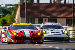 #60 AF Corse Ferrari 458 Italia: Пітер Ешлі-Манн, Лоренцо Кейс, Раффаеле Джаммарія, #92 Porsche Team Manthey Porsche 911 RSR (991): Марко Хольцер, Фредерік Маковєцкі, Річард Літц