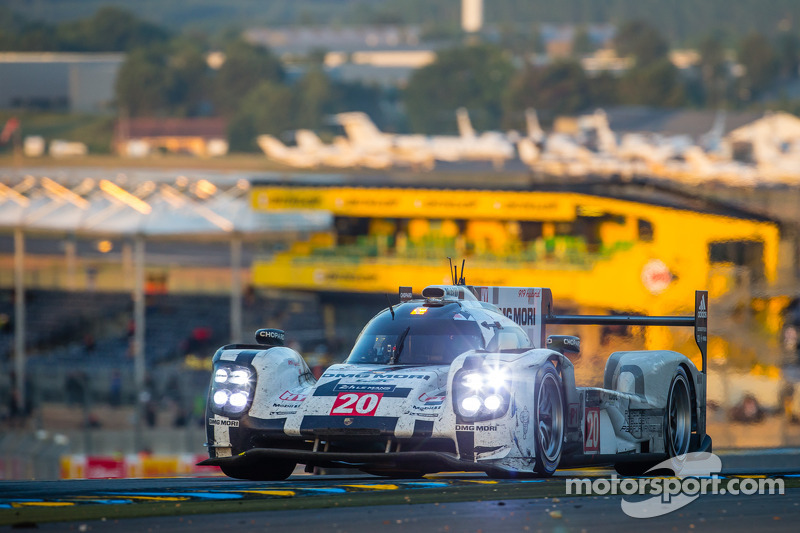 #20 Porsche Team Porsche 919 Hybrid: Timo Bernhard, Mark Webber, Brendon Hartley